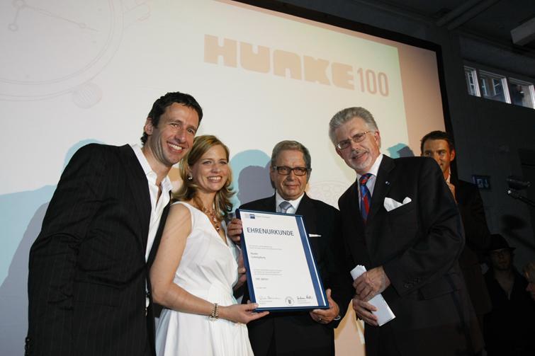 media/image/100Jahre_Hunke_IHK_Urkunde.jpg