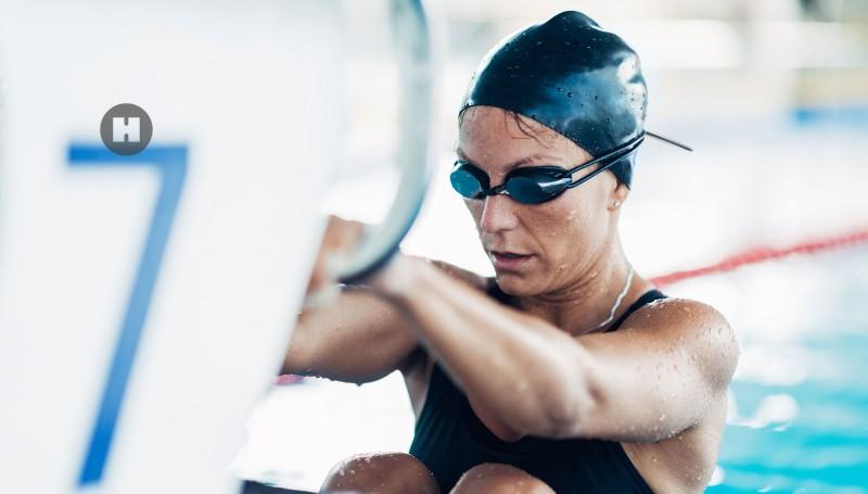 media/image/hunke-uhren-damensportuhr-schwimmerin.jpg