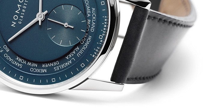 media/image/Nomos-Zuerich-World-Time-Blau-Silber_DetailpuFPKZR8Lk3nV.jpg