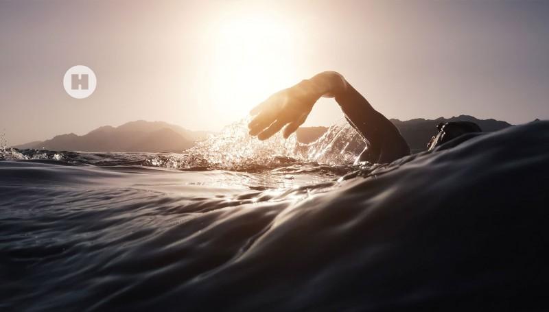 media/image/hunke-uhren-taucheruhren-schwimmen.jpg