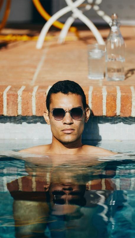 media/image/Mann-Pool-Sonnenbrille-HunkeLjeooilz6RMSH.jpg